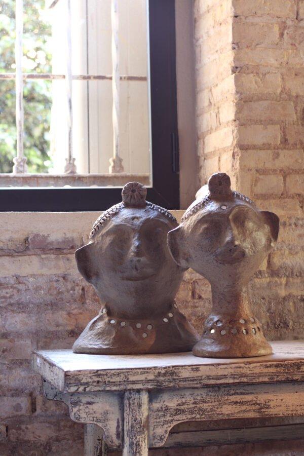 Busto cuello ancho en acabado antiguo hecho con papel reciclado 26 x 20 x 33 cm