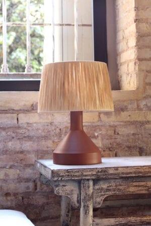 Lámpara de hierro teja con pantalla rafia 29 x 29 x 39 cm